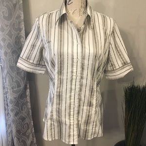 New York & Company Button Down Size Large
